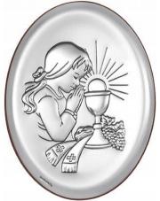 Obrazek Pierwsza Komunia z modlącą się dziewczynką